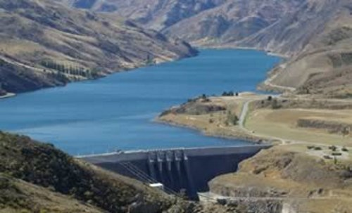 Visit the Clyde Hydro Electric Dam and Lake Dunstan