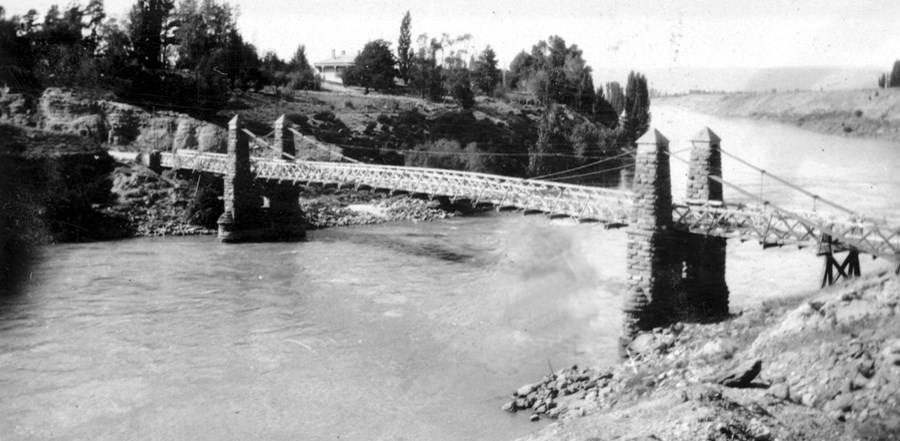 clydebridge over the Clutha River
